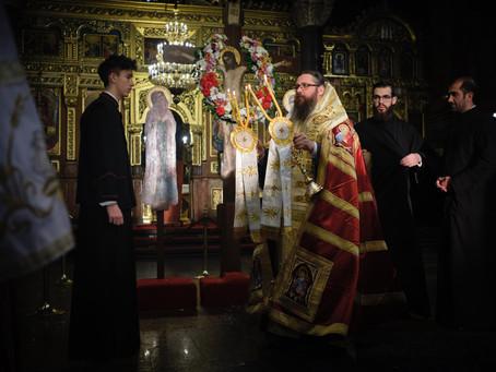 """12-те Евангелия на Велики четвъртък бяха прочетени в митрополитската катедрала """"Св. вмчца Неделя"""""""