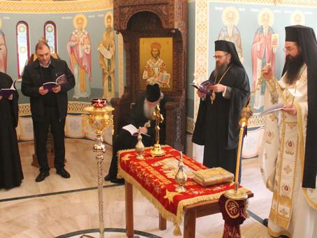Българският патриарх и Софийски митрополит Неофит се поклони на Христовата плащаница