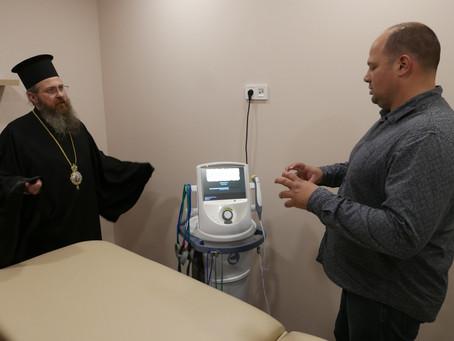 Българският патриарх Неофит инициира даряването на апарат за църковния Център в Елин Пелин