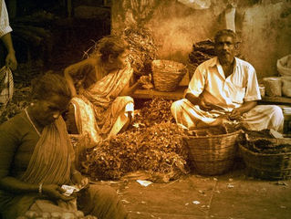 Les Indiens majestueux. Marché de Pondichéry Décembre 2004