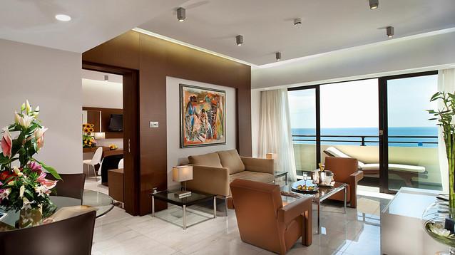 amathunta-suite-living-room-1.jpg