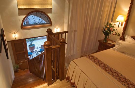 017-cyprian-maisonette-bedroom.jpg