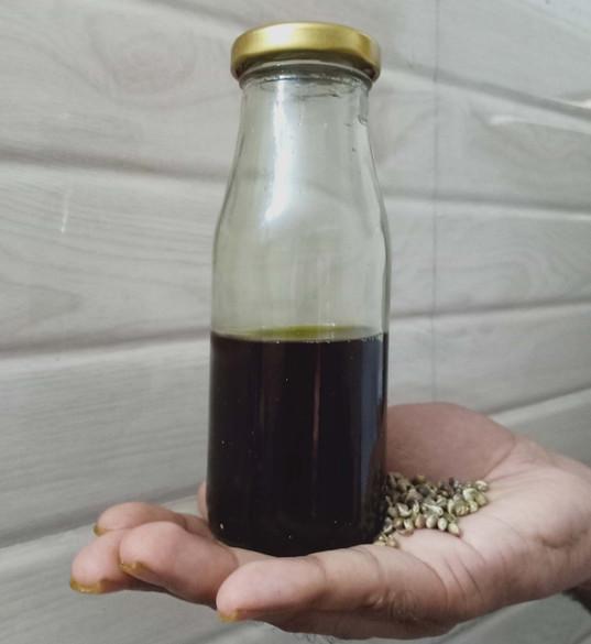 hemp-seed-oil-3.jpg