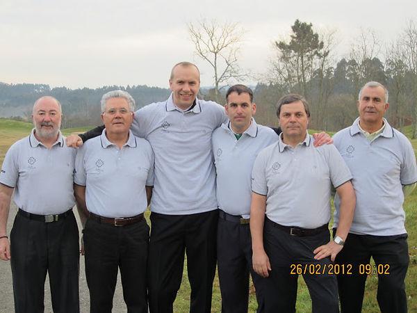 Equipo Golf Vinoteca Tapa Negra 2012.JPG