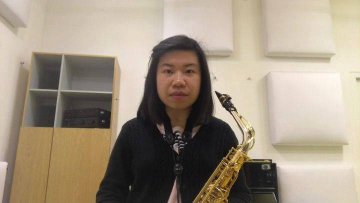 Learn some handy tips on saxophone playing from Ms Michellina Chan. @michwichyHow to play high C with good intonation on the saxophone.Watch this space for our Learn like a Pro series for more instrument playing tips.📷 NUS Wind Symphony