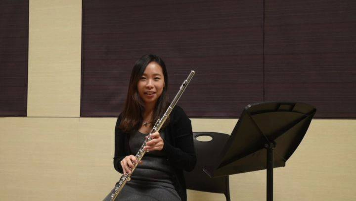Learn some handy tips on Flute playing from Ms Shirley Tong.Learn how to play high notes wellWatch this space for our Learn like a Pro series for more instrument playing tips.📷 NUS Wind Symphony