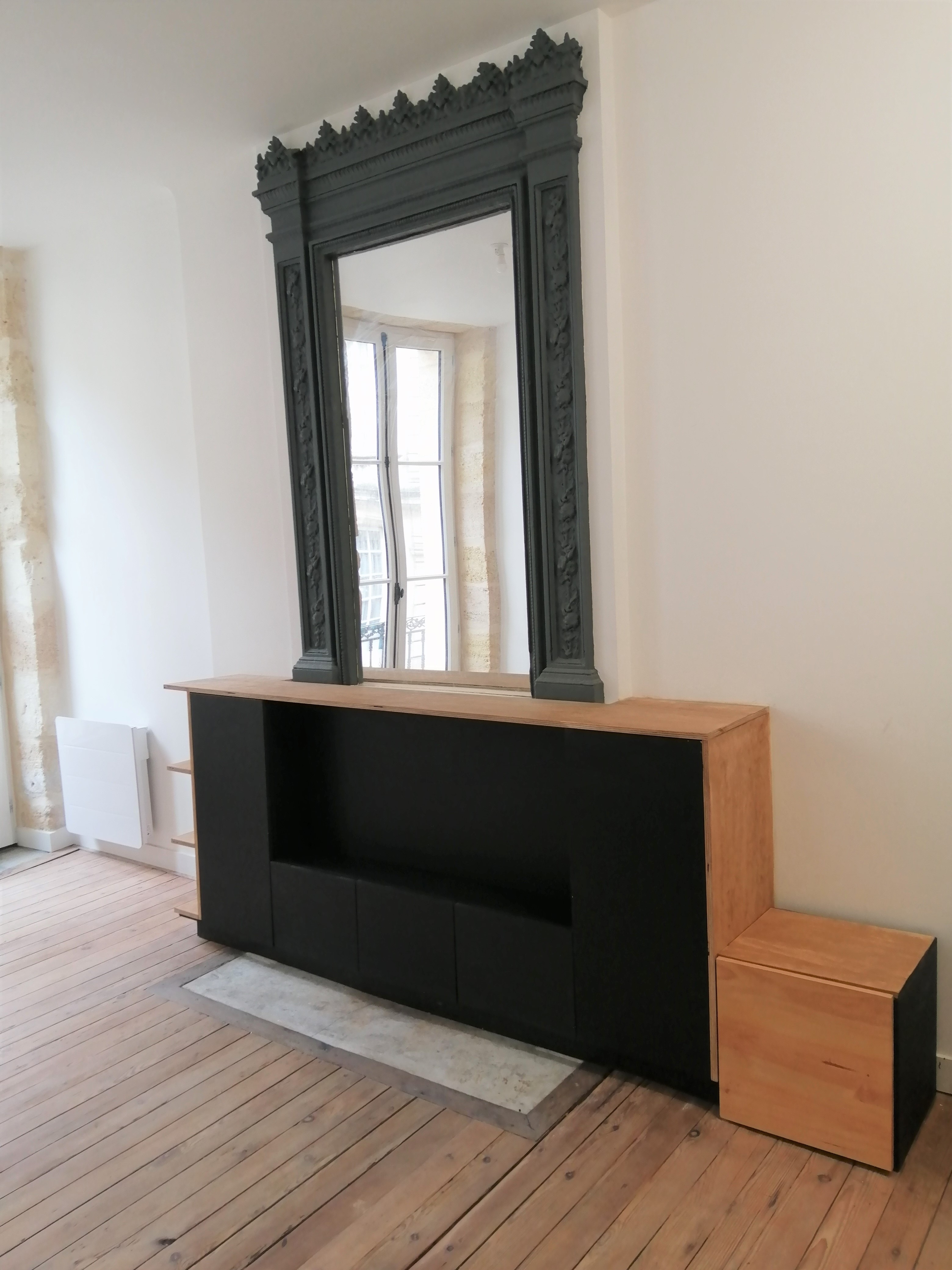 Fabrication d'un meuble TV sur mesure à Bordeaux (33)