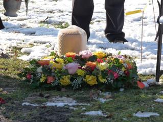 Wider den Bestattungsnarzissmus