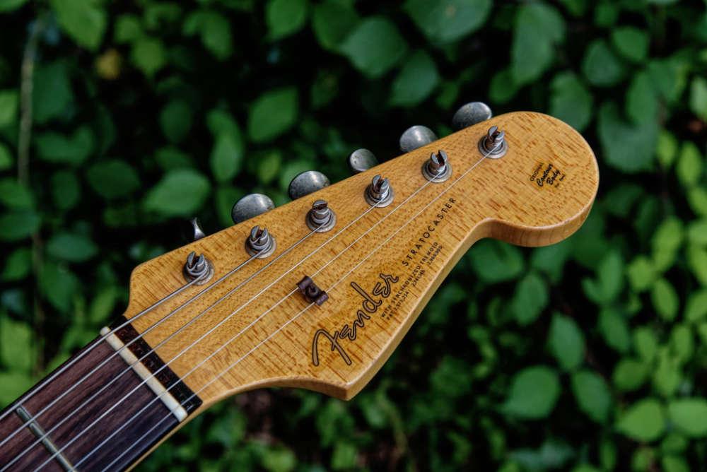 Yuriy Shishkov '63 Journeyman Stratocaster headstock
