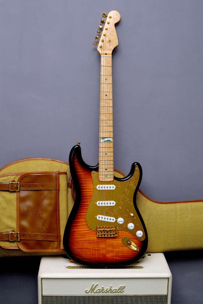 40th Anniversary Diamond Dealer Stratocaster