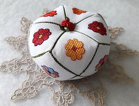 15 sided biscornu flower pattern