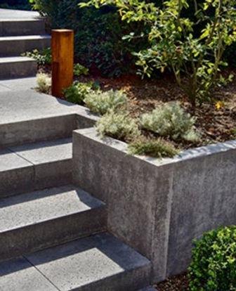 Traptreden en muurtjes in uw tuin