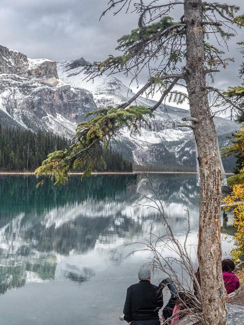 Emerald-Lake-Mountain-Yoho-People-Andrea