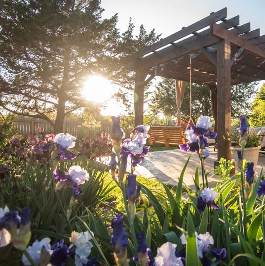 outdoor-living-garden-pergola-topeka-etz