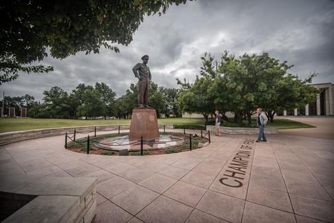 Eisenhower-General-Statue-Etzel_4.jpg