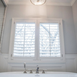 tub-bath-window-interior-etzel.jpg