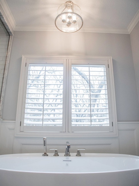 tub-bath-window-interior-etzel.jpg