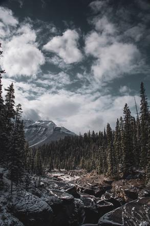 Mistaya-Canyon-Banff-Photo-Etzel-Matte.j