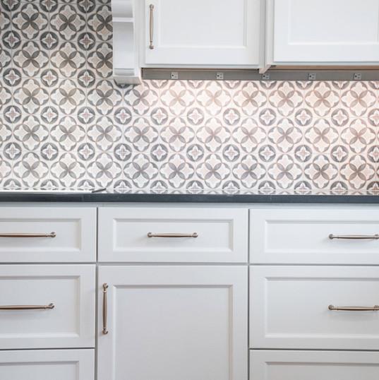 kitchen-cabinet-tile-interior-etzel.jpg