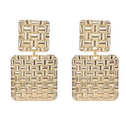 Boucles d'oreilles carrées à reliefs