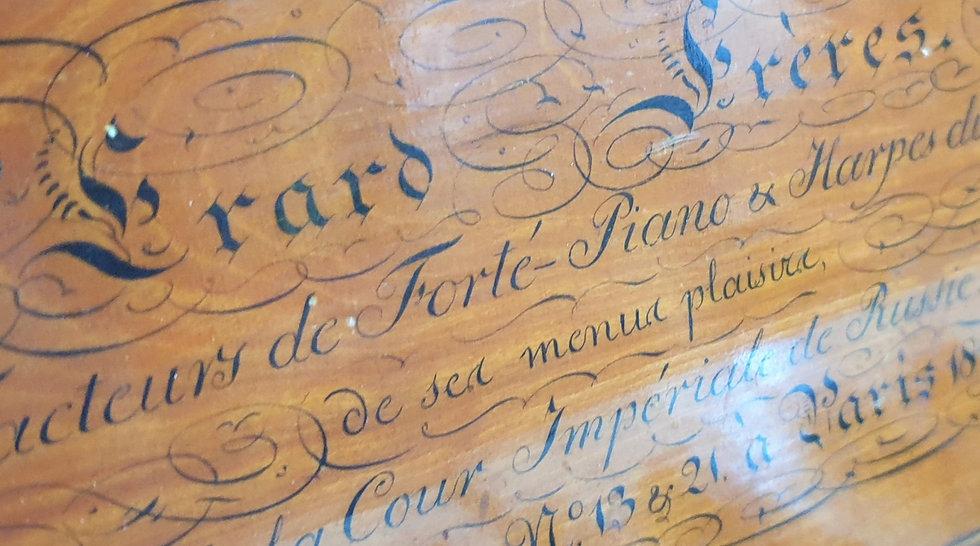 Piano carré de la renommée maison ERARD de 1819