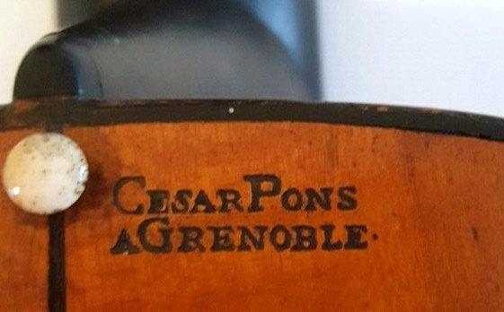 Guitare baroque de 1784 César Pons dit Pons Père, Luthier à Grenoble 1748-1831.