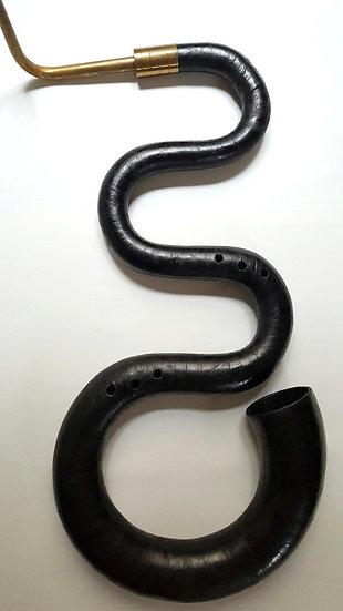 Serpent en bois recouvert de cuir