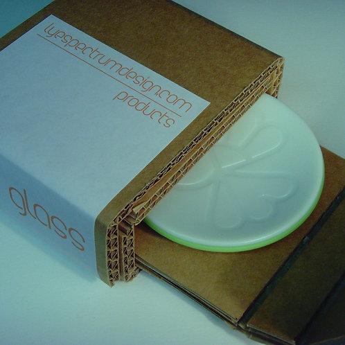 WHITE/GREEN ROUND OPAQUE GLASS DISH