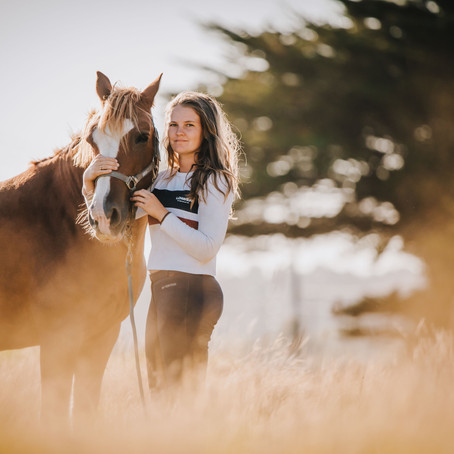 On the farm with Holly - Sunset Horse photo session