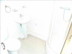 4 Baltic Wharf Bathroom