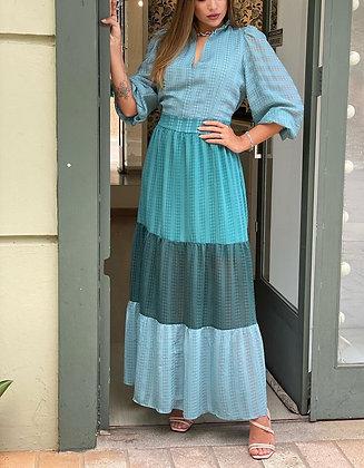 Vestido longo tricolor com decote babado