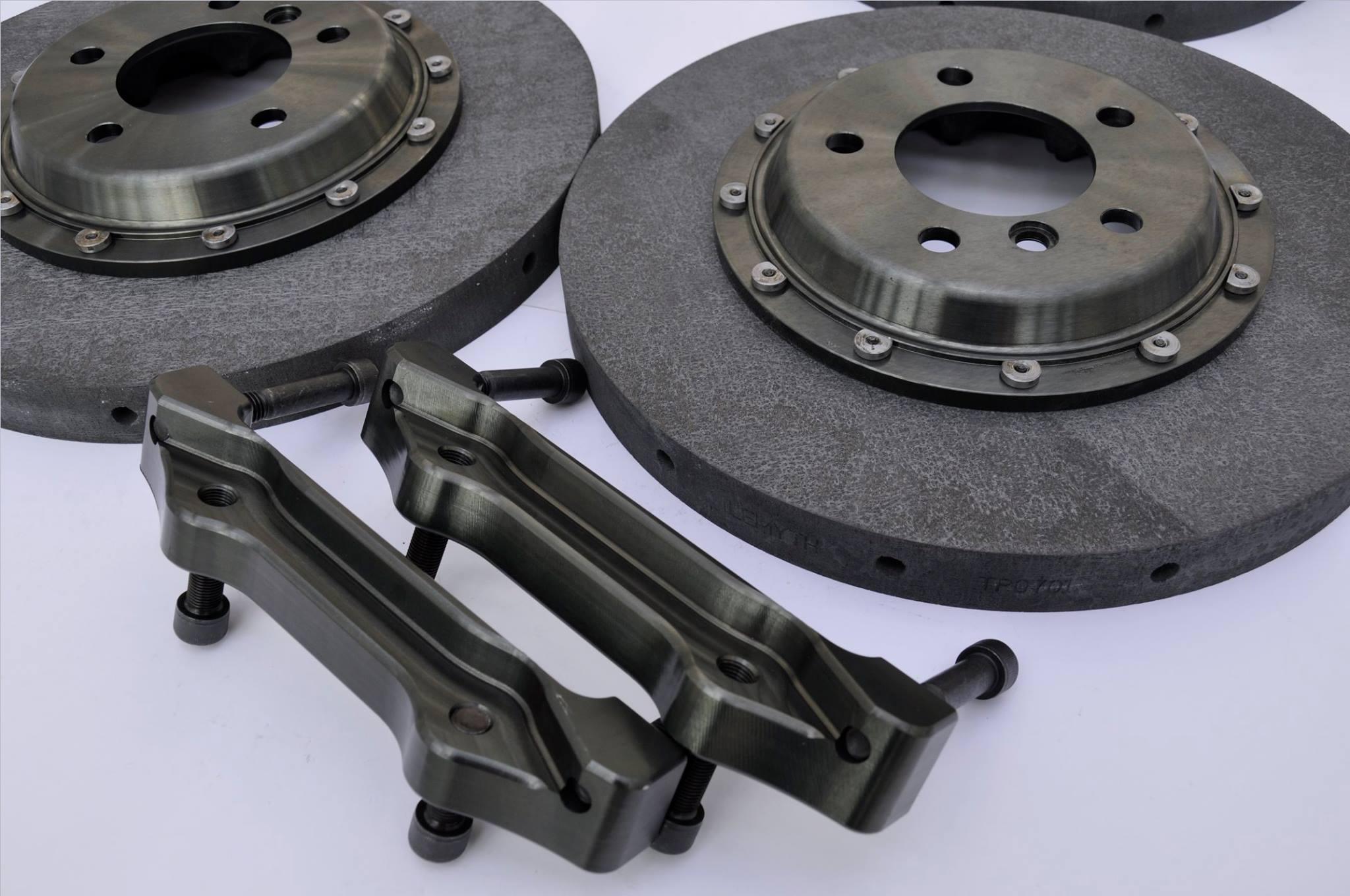 BMW 335i carbon-ceramic brake kit