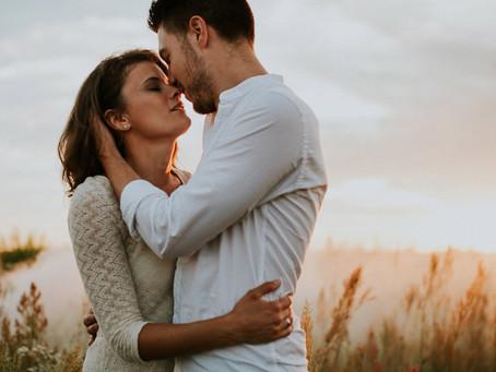 8 jel, hogy a megfelelő emberrel randevúzol