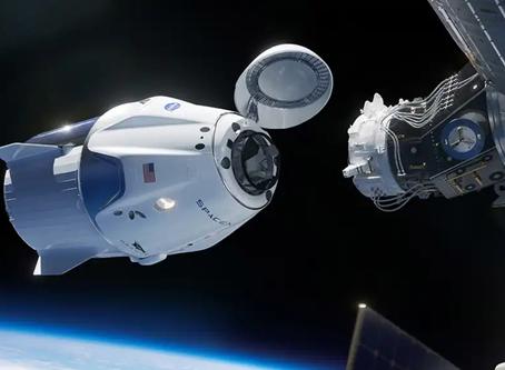 Elon Musk és a NASA történelmi pillanata: sikeresen kilőtték az amerikai űrhajót