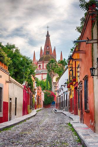 church in San Miguel de Allende.jpg