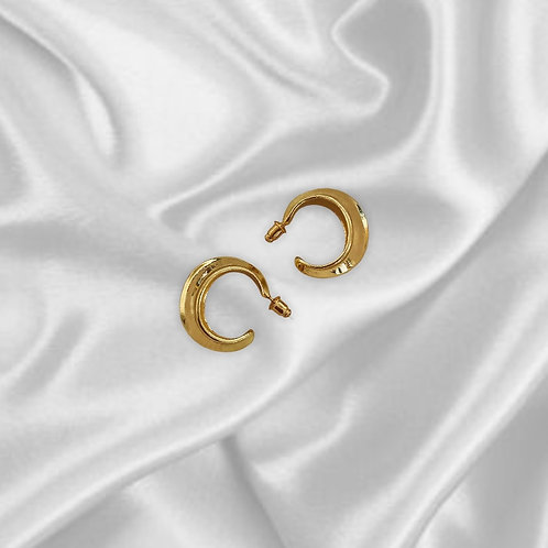 VINTAGE STYLE | Dainty Gold Hoop Stud Earrings