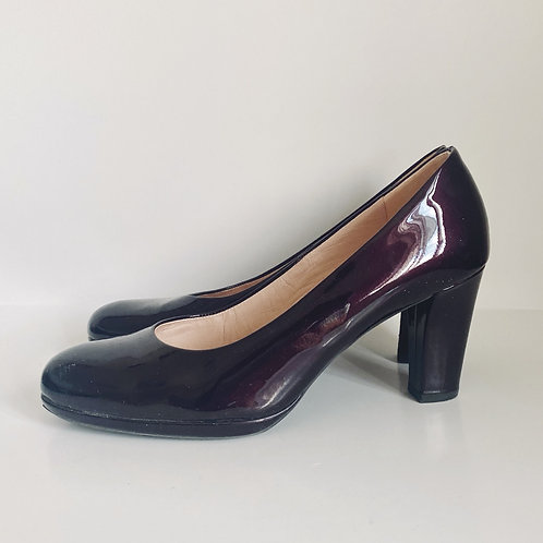 PETER KAISER MAROON PATENT LEATHER CHUNKY HEELS (SIZE 7.5)