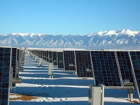 solar-panel-array-1591359.jpg