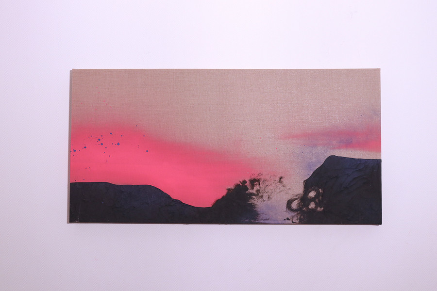 Neon pink (2020) - sold -
