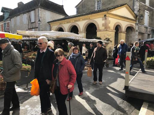 Le marché à Issigeac