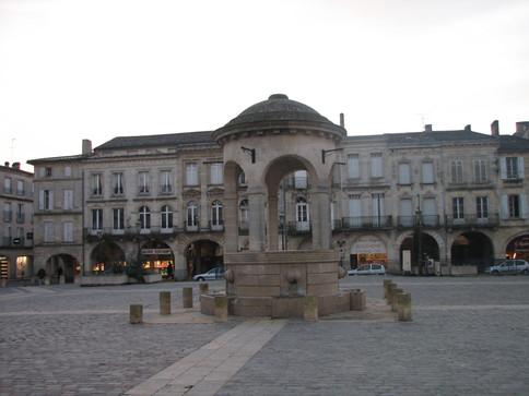 Libourne, place de l'hôtel de ville