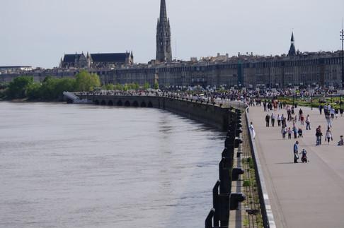 Les quais de la Garonne