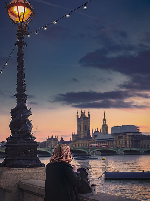 A MOMENT ON THE THAMES