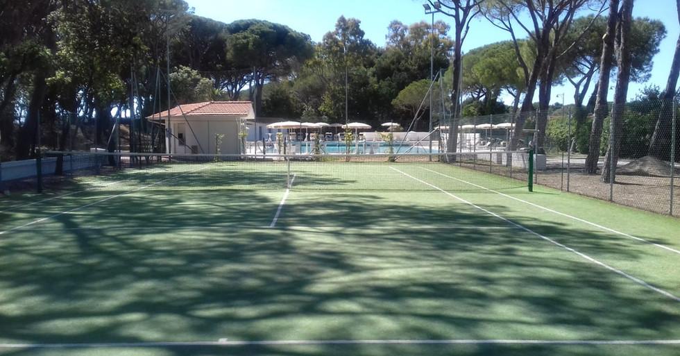 Campo tennis erba sintetica
