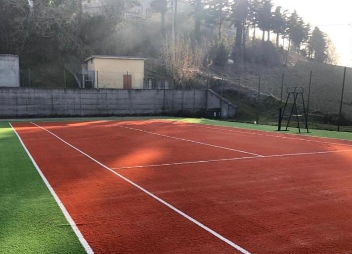 Riqualificazione Campo tennis in erba sintetica riciclabile