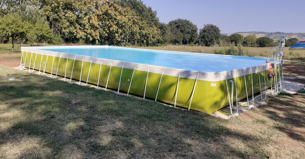 Fano - privato - piscina fuoriterra mt. 5,80x12,80