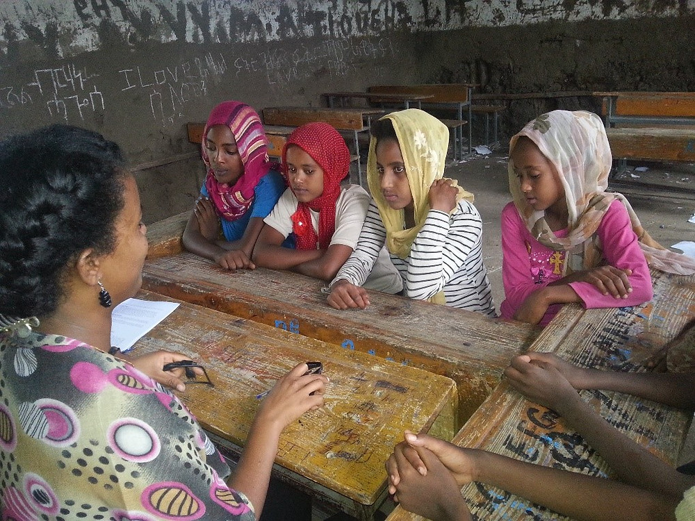 ethiopian students learning about menstruation from dignity period