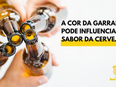 A cor da garrafa pode influenciar no sabor da cerveja?