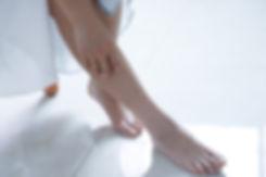 barefoot-feet-girl-1204473.jpg
