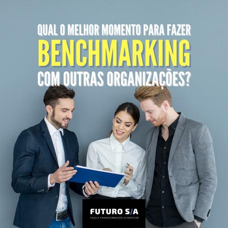 Qual o melhor momento para fazer benchmarking com outras empresas?